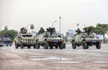 Khí tài đặc chủng xuất quân bảo vệ Đại hội Đảng toàn quốc