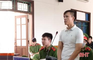 Tử hình kẻ vận chuyển thuê gần 2 kg ma túy đá ở Hà Tĩnh