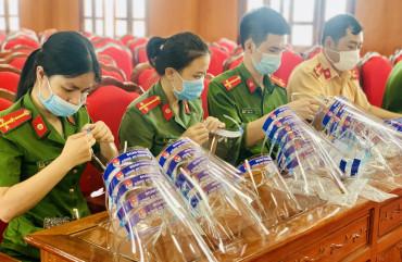 Tuổi trẻ Công an Thành phố Hà Tĩnh đồng hành cùng đồng bào miền Nam chống dịch