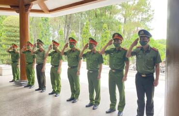 Kỷ niệm 76 năm Ngày truyền thống lực lượng Công an nhân dân: Công an thành phố Hà Tĩnh tiếp nối những chiến công