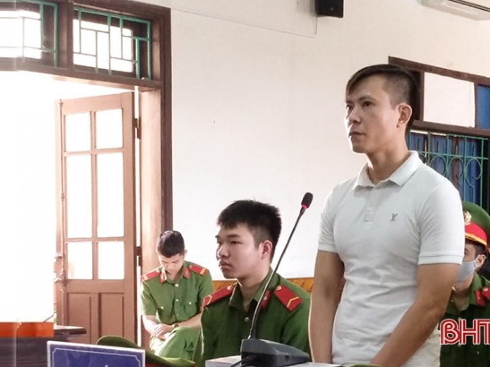 Bị cáo Lê Văn Định tại phiên tòa sáng 27/11