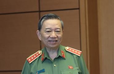 Hôm nay ở Hà Nội nộp tờ khai, cuối tuần có thể nhận hộ chiếu tại TP. Hồ Chí Minh
